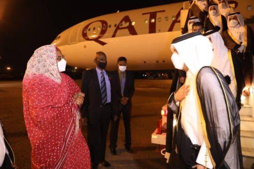 وصول نائب رئيس وزراء قطر