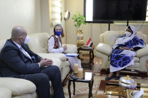 مريم الصادق تلتقي بوفد منظمة الهجرة الدولية