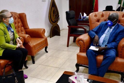وزير التنمية الاجتماعيّة يلتقي السفيرة النرويجيّة لدى السودان