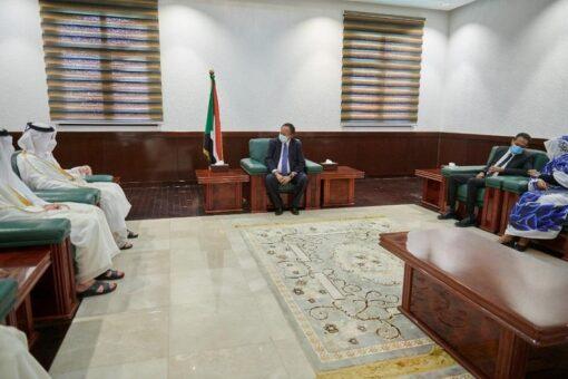 حمدوك ونائب رئيس الوزراء القطري يبحثان مقترح انشاء منطقة استثمارية