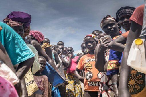 الإغاثة عبر العالم تبدأ توزيع الدعم للاجئين من جنوب السودان