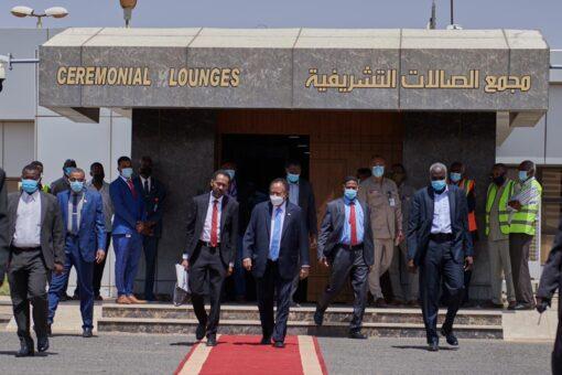 حمدوك يصل إلى جوبا لإفتتاح جلسات الحوار مع الحركة الشعبية