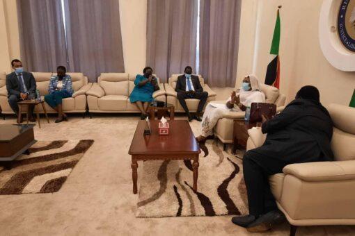وزيرةالخارجية تصل جوبا للمشاركة فى صياغة الدستور الدائم لجنوب السودان