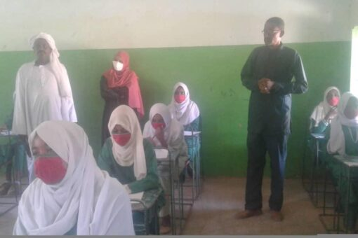 مدير تعليم الأساس بنهر النيل يتفقد سير إمتحانات الأساس بشندي