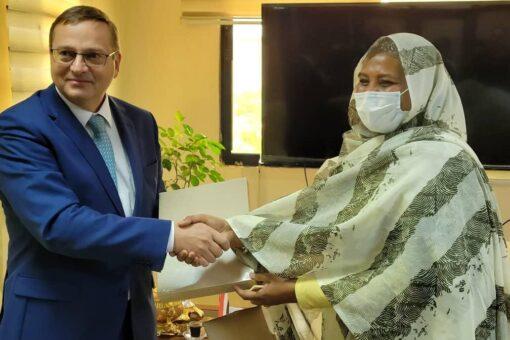 مريم الصادق تستقبل سفير جمهورية التشيك لدى السودان