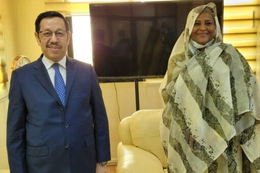 وزيرة الخارجية تستقبل سفير الجمهورية الموريتانية الاسلامية لدى الخرطوم
