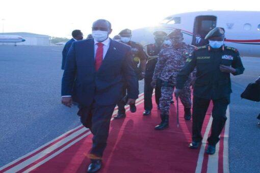 البرهان يعود للبلاد بعد زيارة لجمهورية جنوب السودان