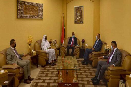وزير الثروة الحيوانية يلتقي وفد اللجنة الفنية البيطرية الأردنية