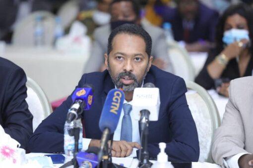 وزير شئون مجلس الوزراء يخاطب جلسة بدء المفاوضات بجوبا