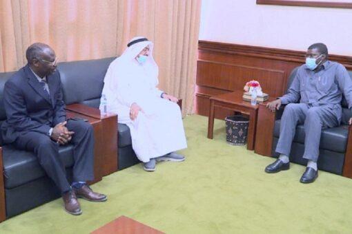 حجر يلتقي رئيس شركة الخليج للبترول