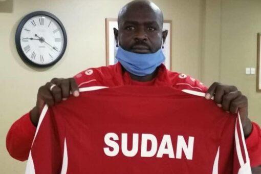 حمدوك يهنىء المنتخب الوطنى السودانى بمناسبه تأهله