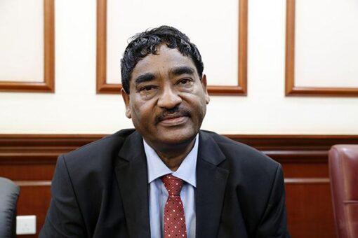 وزير الصناعة يتفقد مجمع اليرموك الصناعي