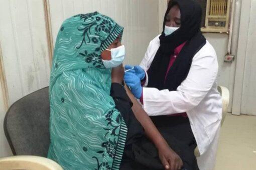 تطعيم 65 % من الكوادر الصحية ضد كرونا بسنار