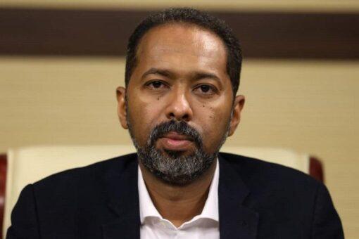 خالد عمر يدعو للتحلي بروح المسؤولية في تداول أخبار التفاوض