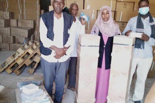 توزيع أجهزة ومعدات للمراكز الصحية بالجزيرة