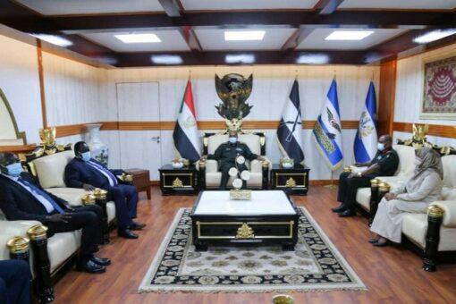 رئيس مجلس السيادة يلتقي وفد الوساطةويتسلم رسالةمن رئيس جمهوريةجنوب السودان