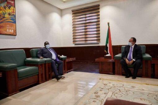 حمدوك يطلع على سير عملية مفاوضات السلام بجوبا