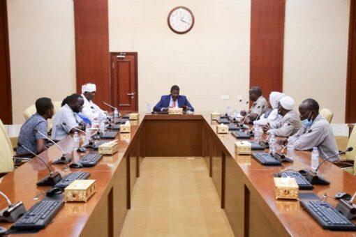 حجر يلتقي اللجنة العليا لمهرجان تنمية منطقة مذبد بشمال دارفور