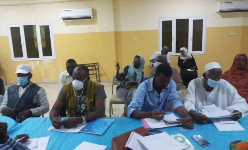 صحة سنار تناقش تحديات حملة رش الباعوض في اسبوعها الأول