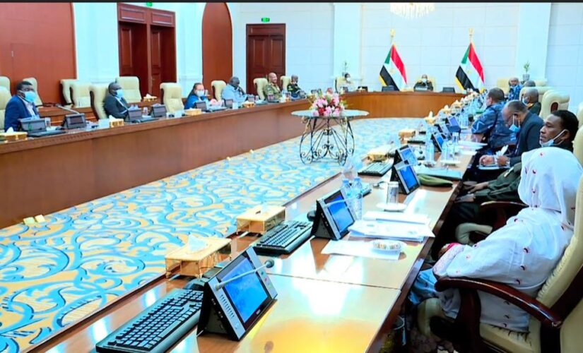 رئيس مجلس السيادة يرأس اجتماع مجلس الامن والدفاع