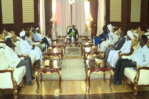 تاور يلتقي لجنة متابعة صلح أحداث القرية (10) بحلفا الجديدة