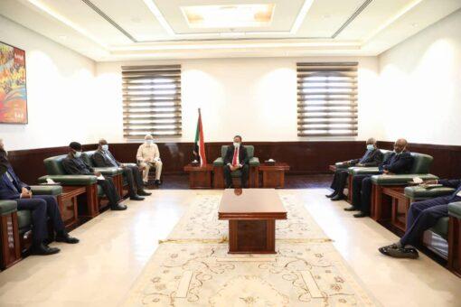 حمدوك يشرح لموسى فكي موقف السودان حول سد النهضة