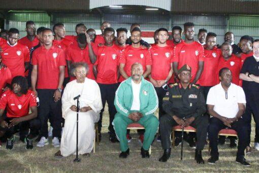 رئيس مجلس السيادة يؤكد دعمه لمسيرة المنتخب الوطني السوداني