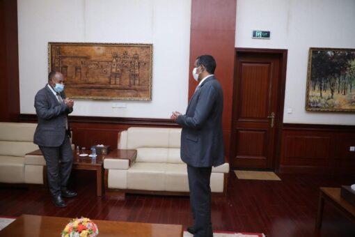 النائب الأول لرئيس مجلس السيادة يطّلع على الأوضاع بجنوب دارفور