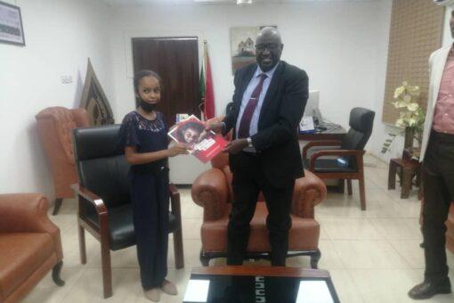 وزير التنمية الاجتماعيةيتسلم توصيات أطفال السودان بمناسبة يوم الطفل الإفريقي