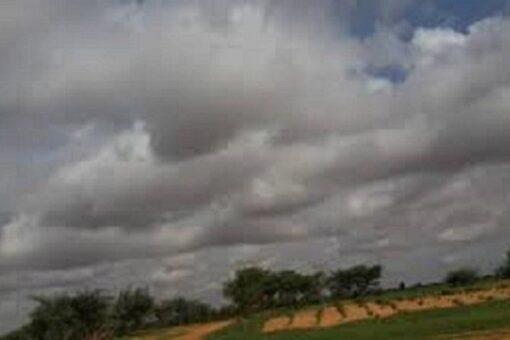 الإرصاد تحذر من هطول أمطار غزيرة بعدد من الولايات