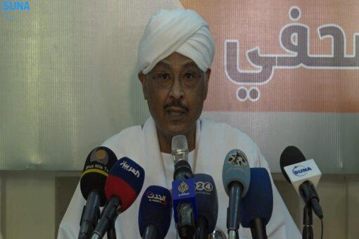 مبارك الفاضل يدعو إلى إعادة تأسيس السلطة الانتقالية