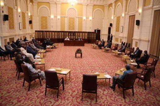 دقلو يرأس اجتماع اللجنة الوطنية العليا لمتابعة تنفيذ اتفاق السلام