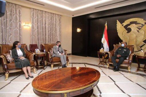 رئيس مجلس السيادة يلتقي رئيس بعثة الأمم المتحدة
