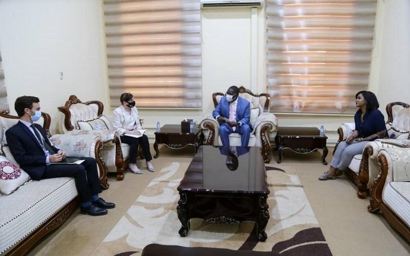 عضو مجلس السيادةالأستاذ التعايشي يلتقي القائم باعمال السفارة البريطانيةبالسودان