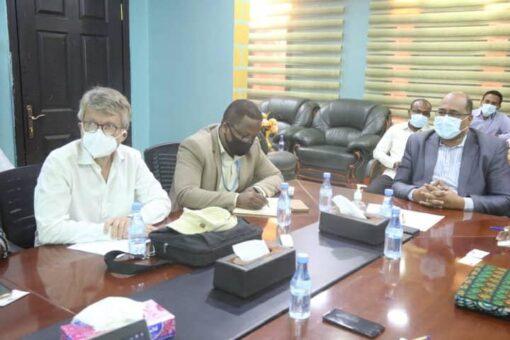 الصندوق القومي للتأمين الصحي يلتقي بعدد من منظمات المجتمع الدولي