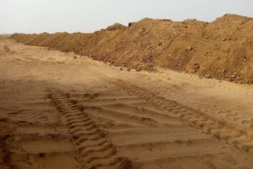 مدير الطرق والجسور بالخرطوم يتفقد التروس النيلية بشرق النيل