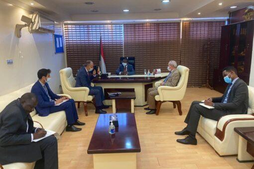 يحي يبحث مع السفيرالأردني العلاقات بين البلدين في مجال الإنشاءات