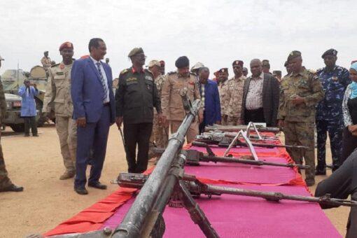 اللجنةالعليا لجمع السلاح تقف علي عمليات جمع السلاح بجنوب دارفور