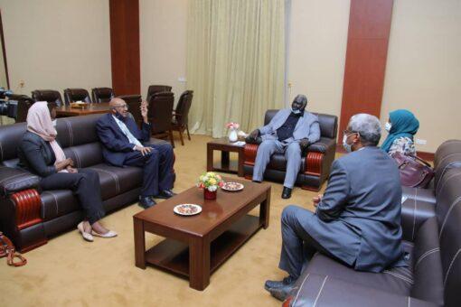 مالك عقار يطلع على الوضع الصحي بولاية النيل الأزرق