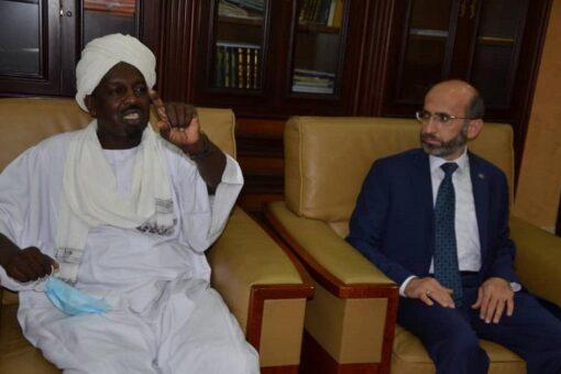الملحق الديني التركي يزور مجمع الفقه الإسلامي السوداني
