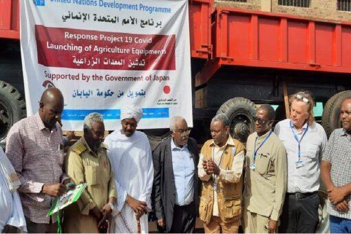 والي سنار يستقبل قافلة مساعدات برنامج الأمم المتحدة الانمائي للمزارعين