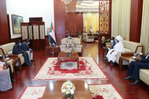 دقلو يلتقي بوفد أصحاب المصلحة بوسط دارفور