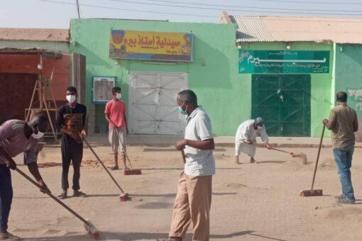 مبادرة شباب حلفا تدشن حملة نظافة السوق الكبير