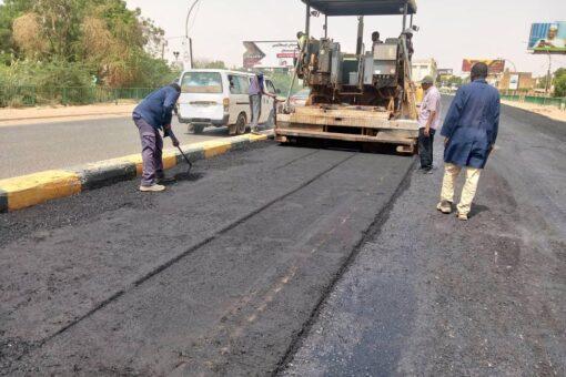 اكتمال أعمال صيانة وتاهيل مداخل ومخارج جسر شمبات جهة بحري