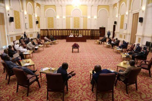 حميدتى يترأس إجتماع اللجنة الوطنية لمتابعة تنفيذ اتفاق جوبا