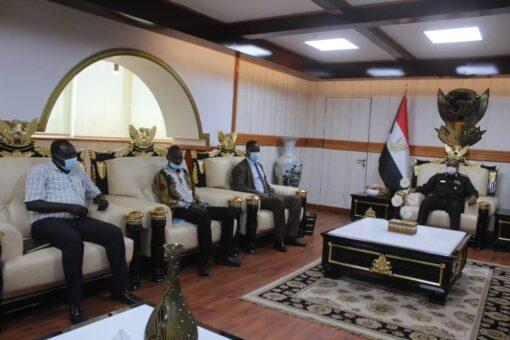 البرهان يلتقي ممثلي تنظيمات الترتيبات الأمنية لسلام دارفور