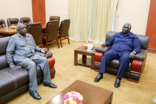 عقار يلتقي وفد منظمة أبوكرشولا للسلام والتنمية