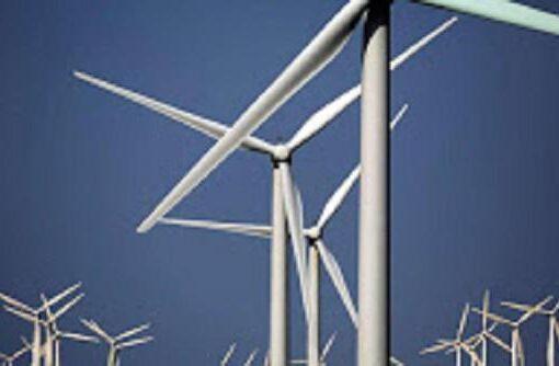 وصول معدات محطة توليد الكهرباء بطاقة الرياح لدنقلا