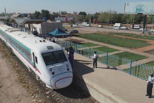 وزير النقل يعلن استئناف رحلة القطار لبورتسودان