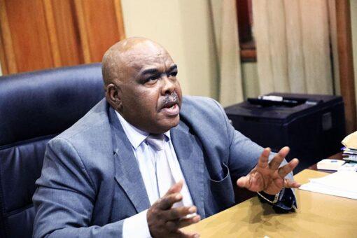 وزير التجارة يؤكد اهمية تطبيق مشروع النافذة الواحدة